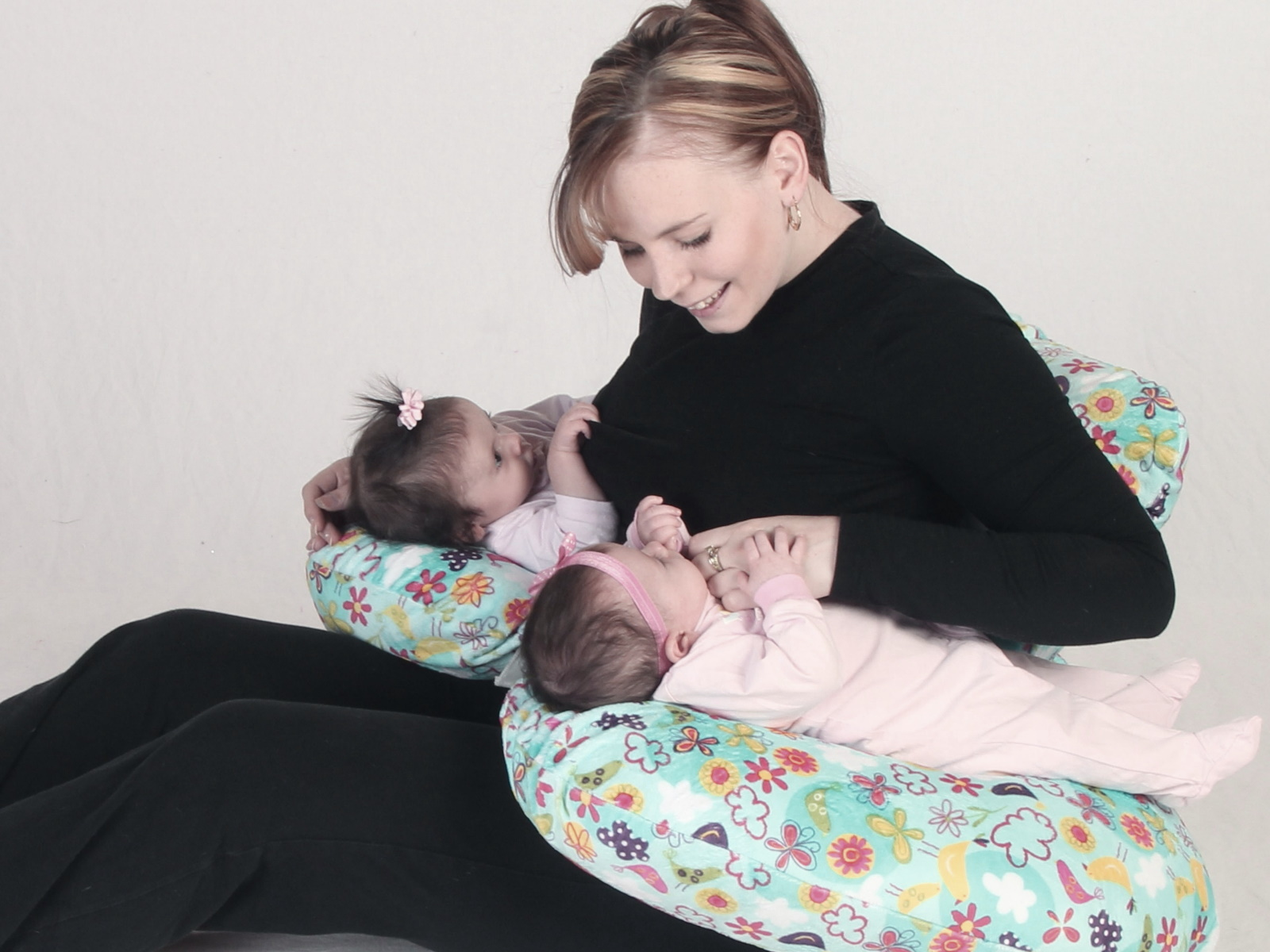 Top tips to breastfeed your baby